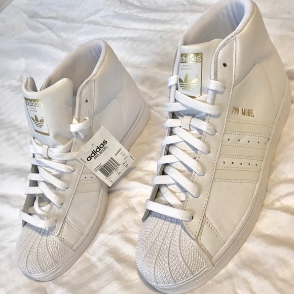 eacc317dca1 ADIDAS SUPERSTAR  SHELLTOE  ALL WHITE NEW Size 12